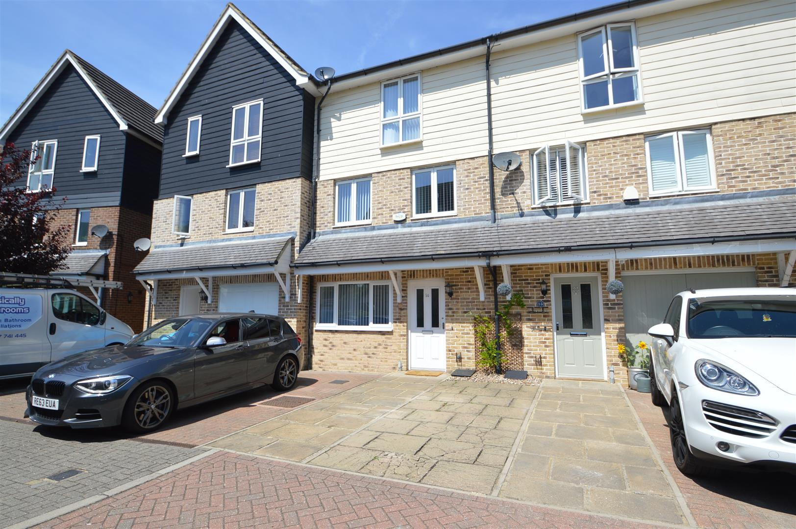 3 Bedrooms Mews House for sale in Bridge Place, Aylesford